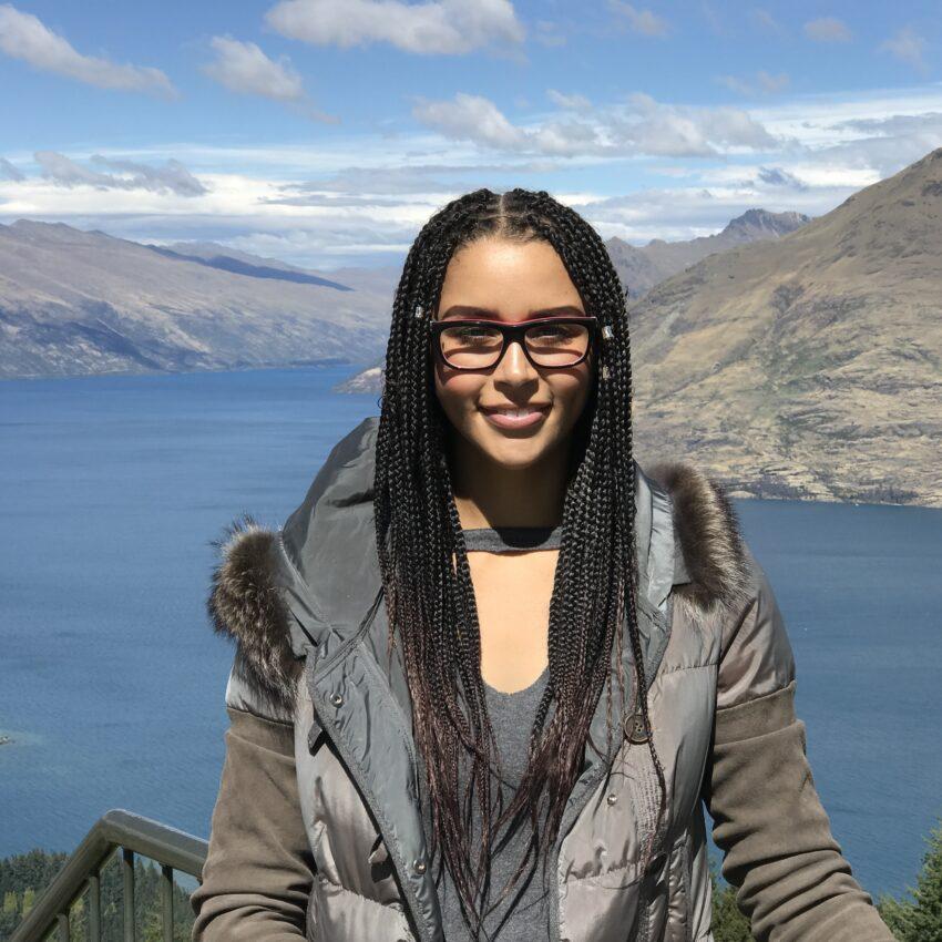 Colour image of Naomi Thompson